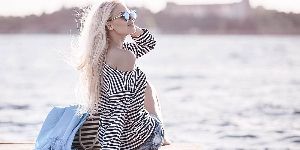 Travel-Fashion: Ahoi! Maritimer Look & Ziele am Meer