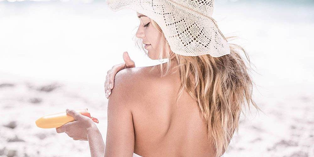 Sonnencreme, Bikini & Co.: 10 Must Haves für die Sommer-Packliste
